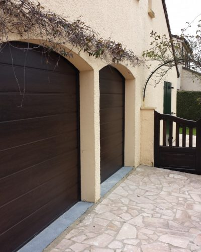 porte de garage sectionnelle surface façon bois decograin