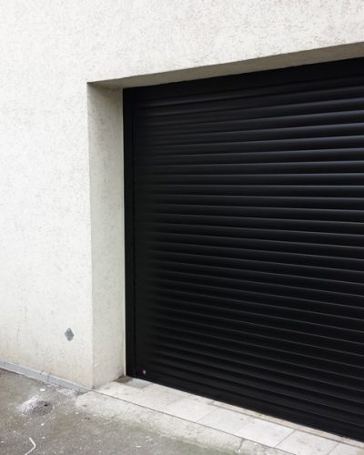 Porte de garage motorisée enroulable ©preciselec