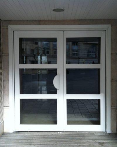 Porte d'entrée d'immeuble double traverse aluminium ©preciselec