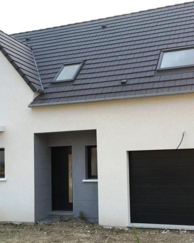 porte de garage avec motif design latéral