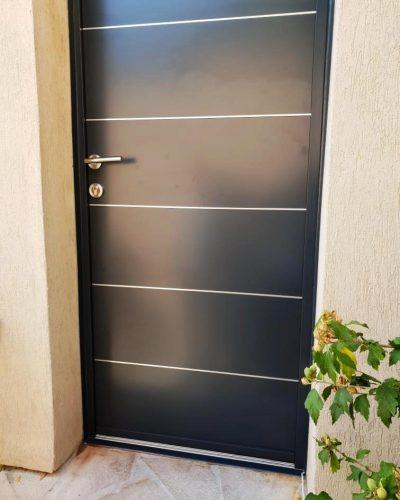 Porte aluminium Kline modèle lignée